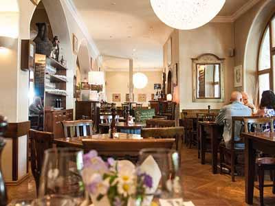 lapiazza-restaurant_002-1