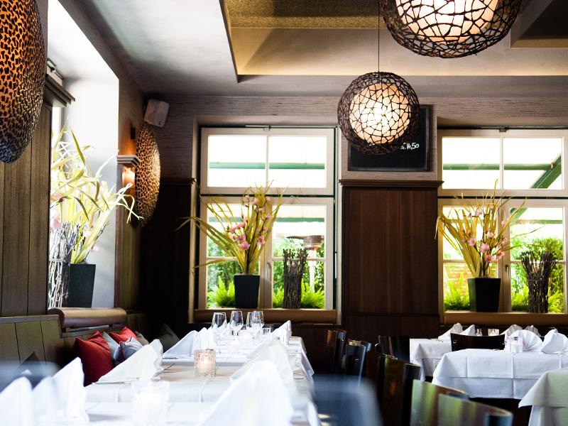 menzingers_restaurant_001